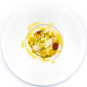 Lasagnetta di pasta all'uovo 32 tuorli, con cavolfiore in crema e crudo